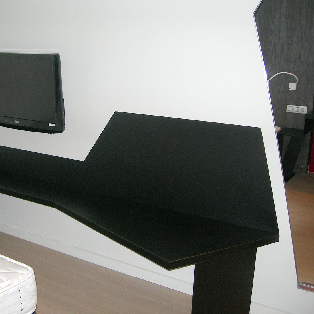 gadget-fugrup-hotel-rosello-decoracion-mesa-habitacion_01