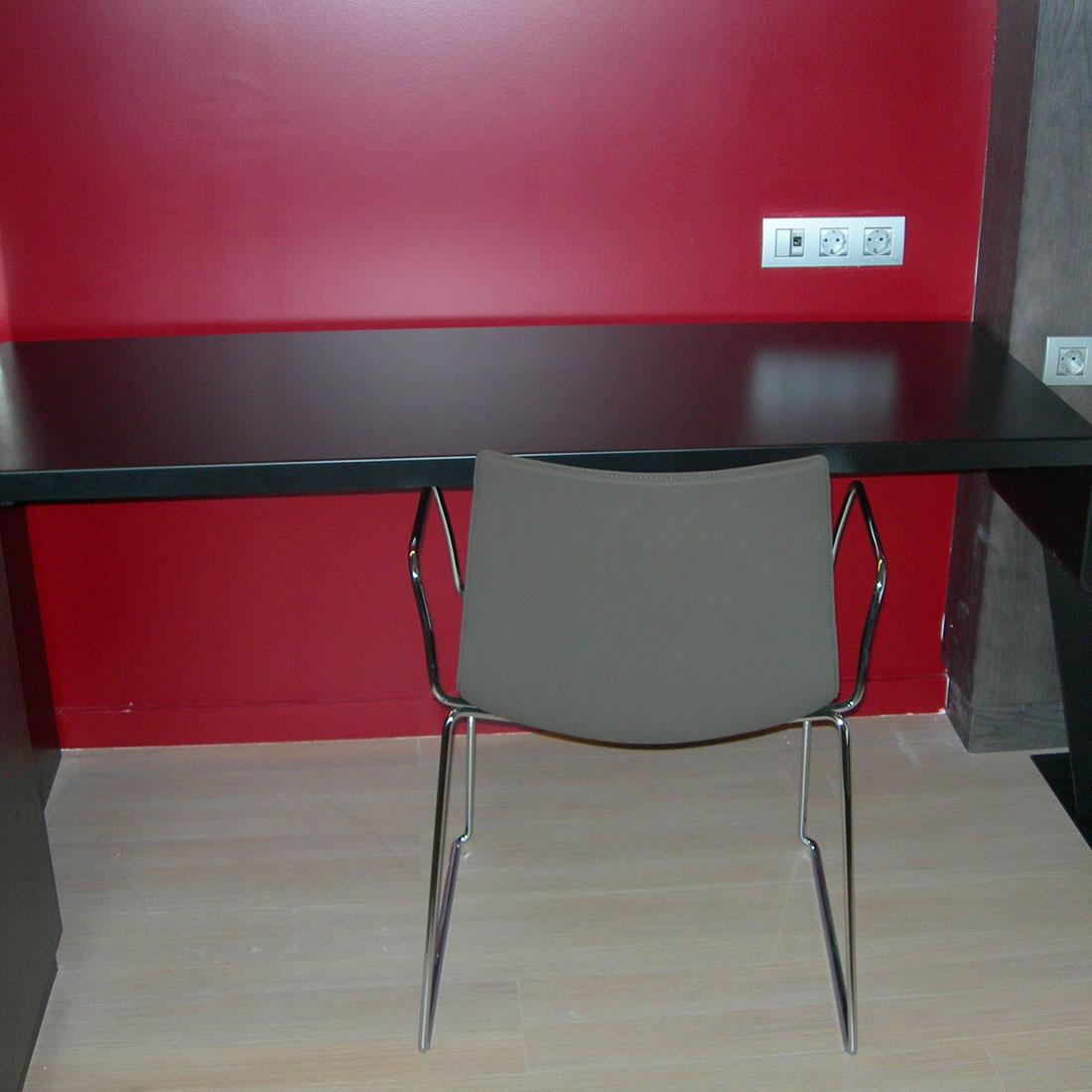 gadget-fugrup-hotel-rosello-decoracion-mesa-habitacion_02