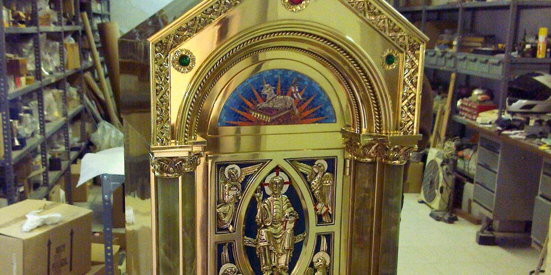 relicario -fugrup-particular-iglesia-reliquiario-metal