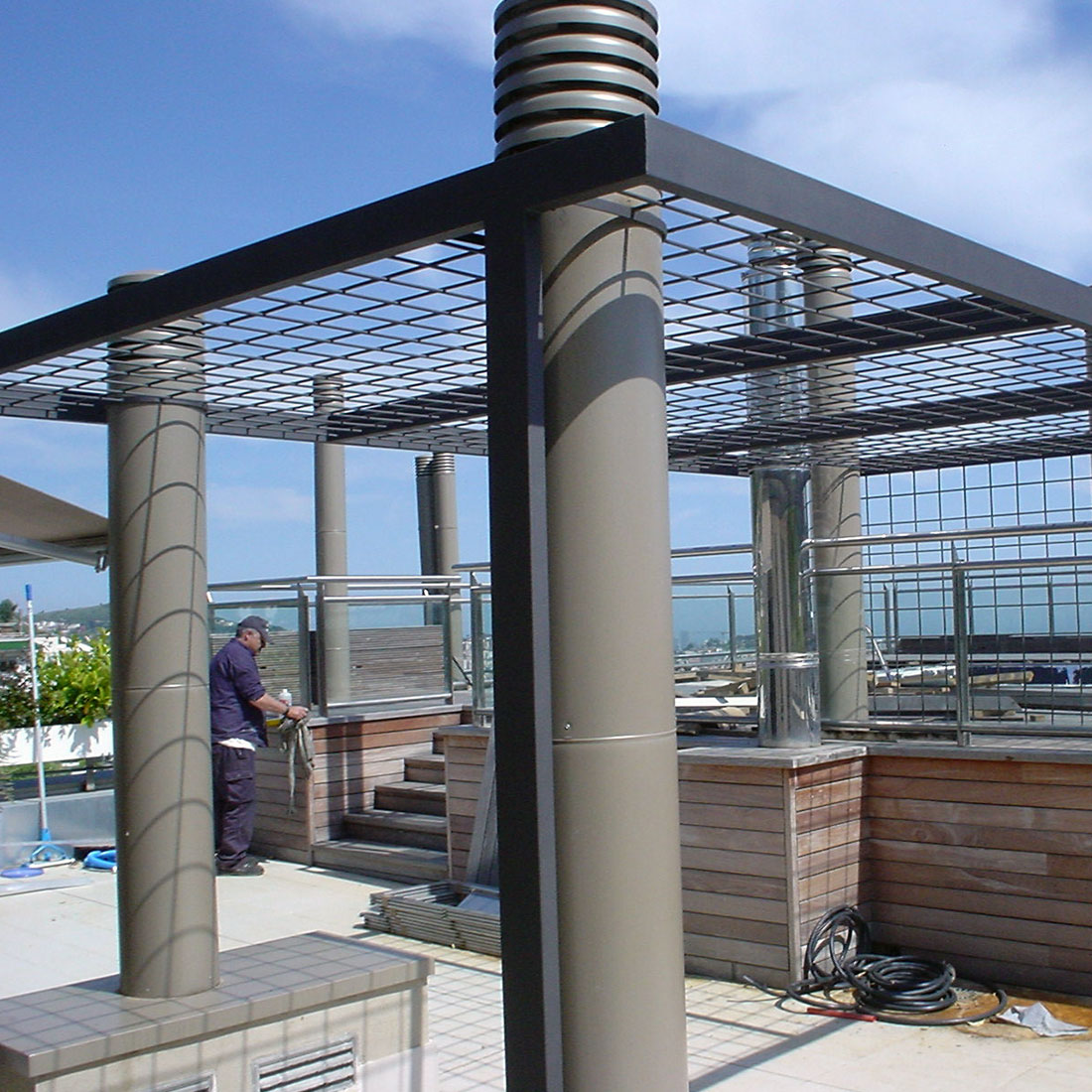 proyectos de arquitectura -fugrup-particular-metal-pergola-verano