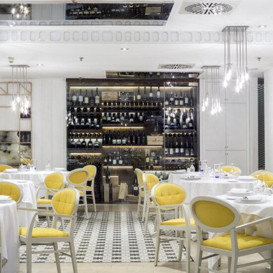 fugrup-magnum- interiorismo de un restaurante