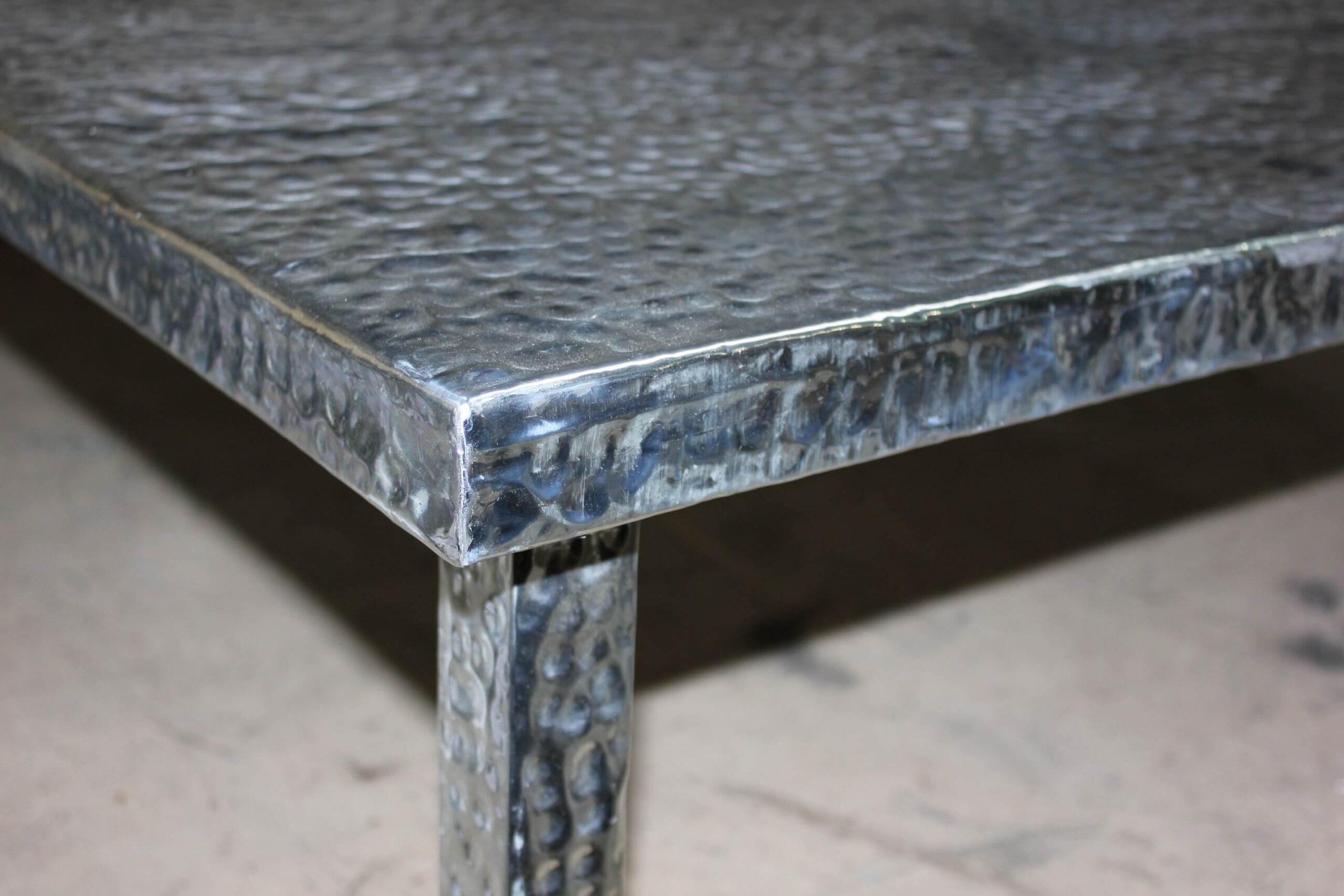 fugrup-mesa-zinc-interiorismo-01