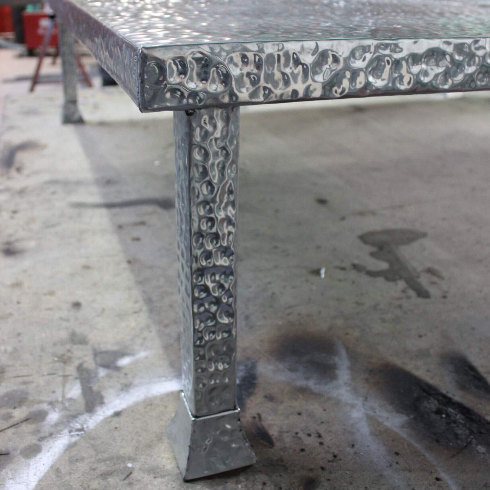 fugrup-mesa-zinc-interiorismo- diseño de muebles