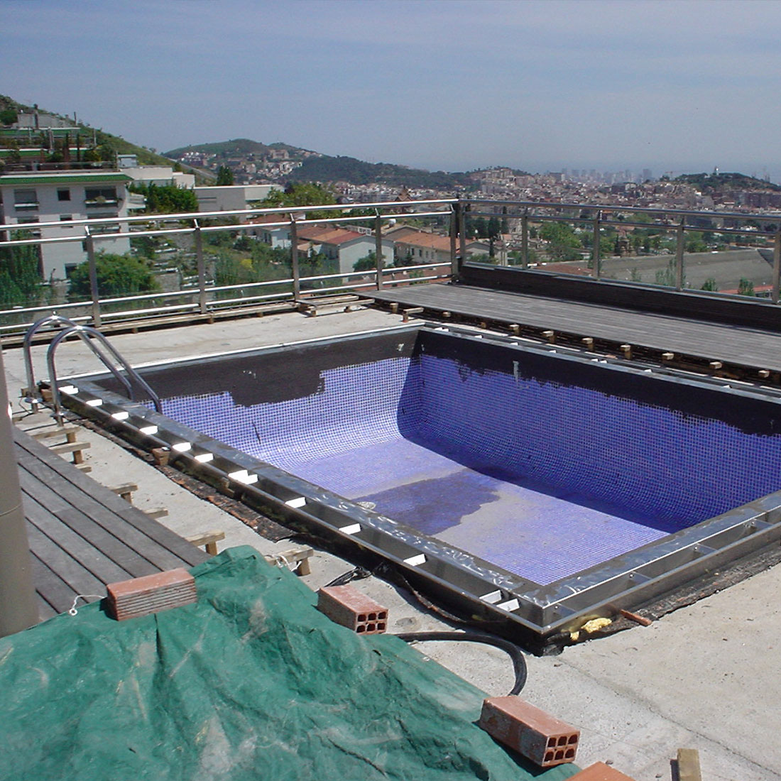 arquitectura y diseño de interiores integrales,-fugrup-particular-metal-piscina_01